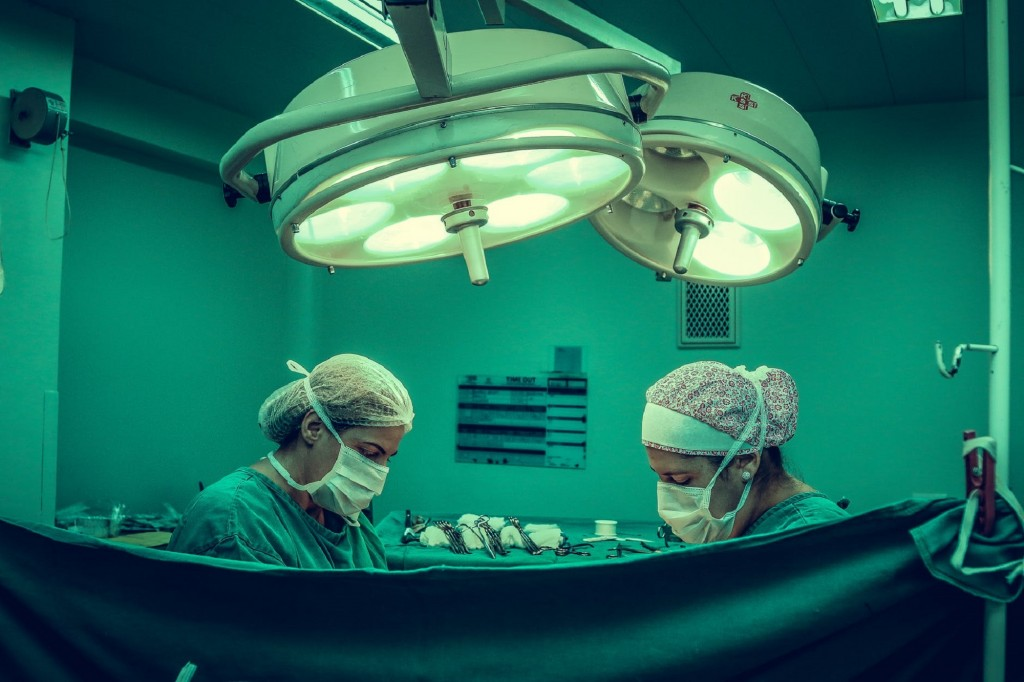 two doctors in the operating room
